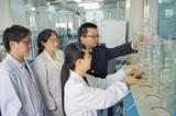 为高校毕业生提供实验室设计和仪器操作方面的学习机会,实现高校学生培养与技术中心科研工作的共同发展